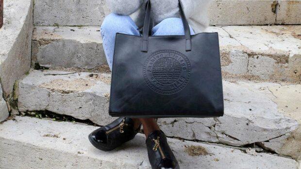 sac cabas femme noir de grande taille. Cuir synthétique