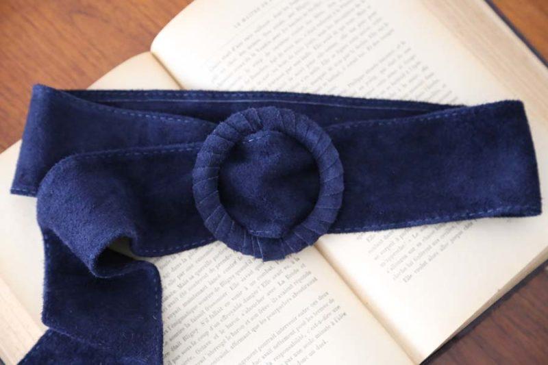 ceinture en daim bleu marine