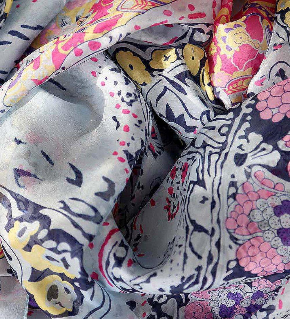 grand-foulard-soie-rose-carmen-11