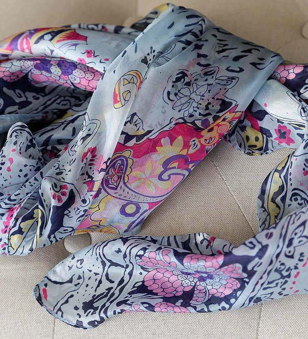 grand-foulard-soie-rose-carmen-12