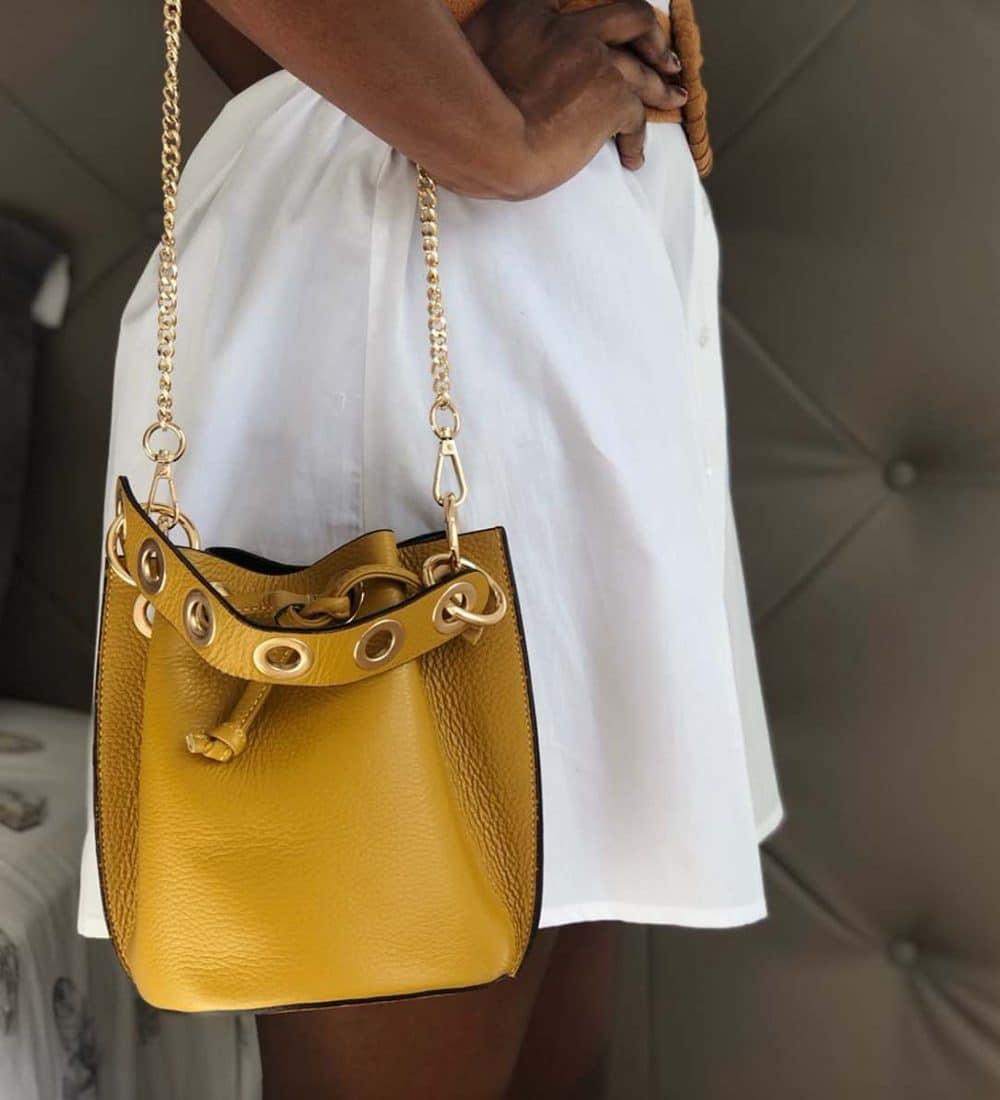 sac bourse en cuir jaune