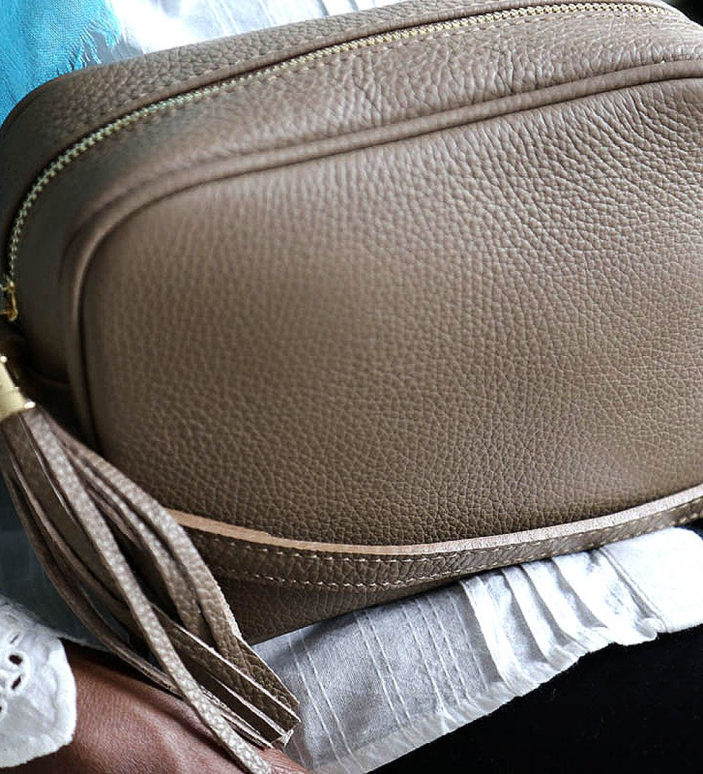 petit-sac-cuir-taupe-bandouliere-ALY (3)