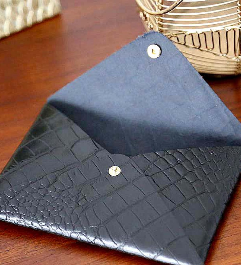 porte-carte-cuir-croco-noir-lilou2