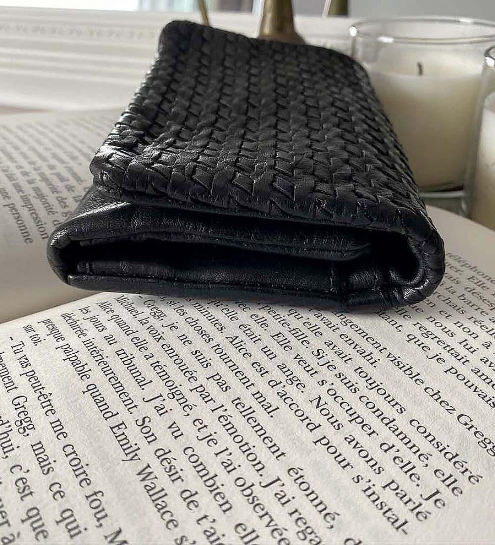portefeuille-cuir-noir-tresse-harper-1