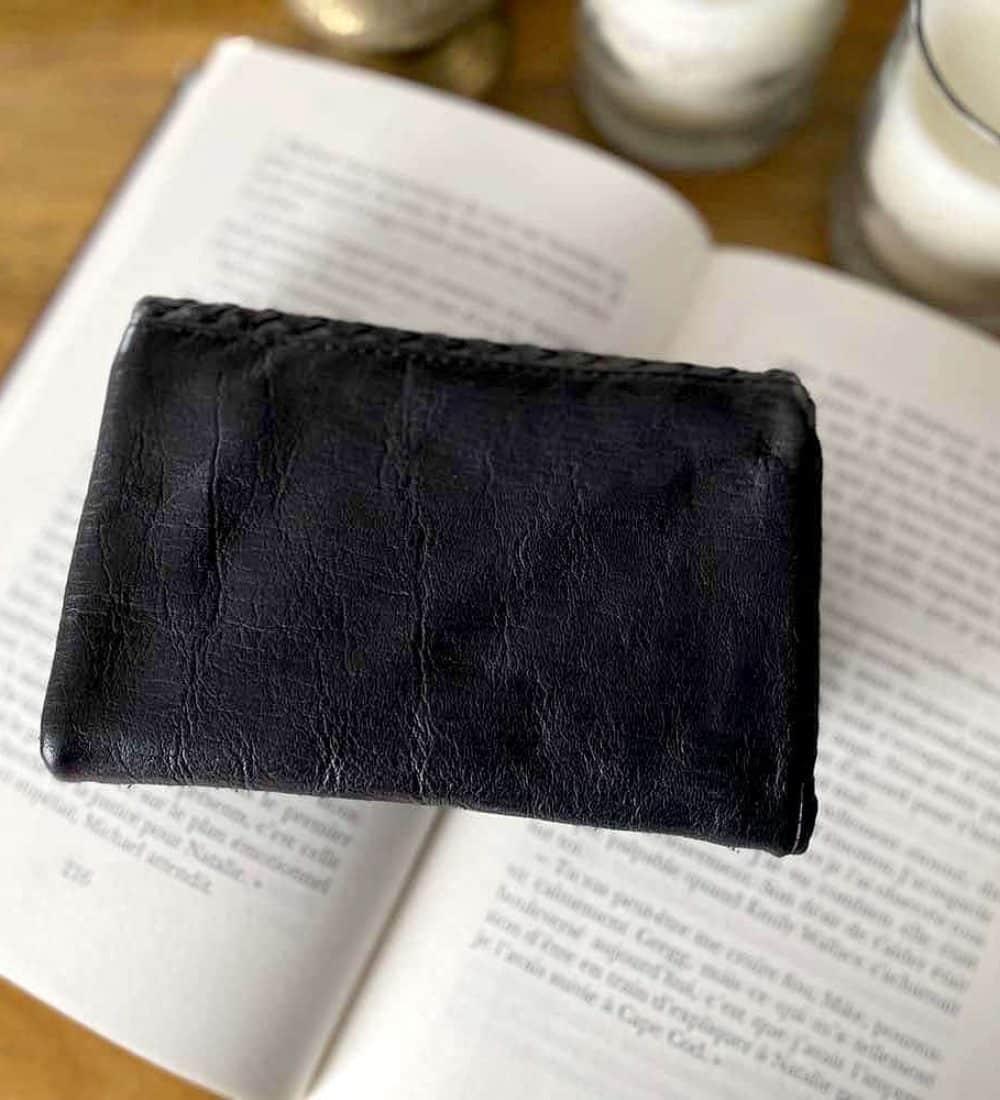 portefeuille-cuir-noir-tresse-harper-2
