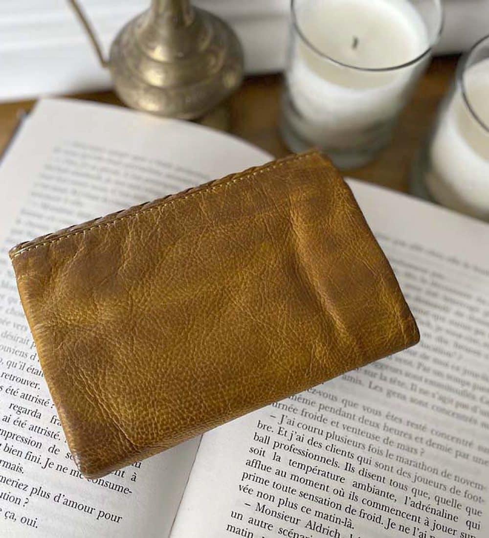portefeuille-cuir-tresse-vintage-cuir-lavé-camel (3)