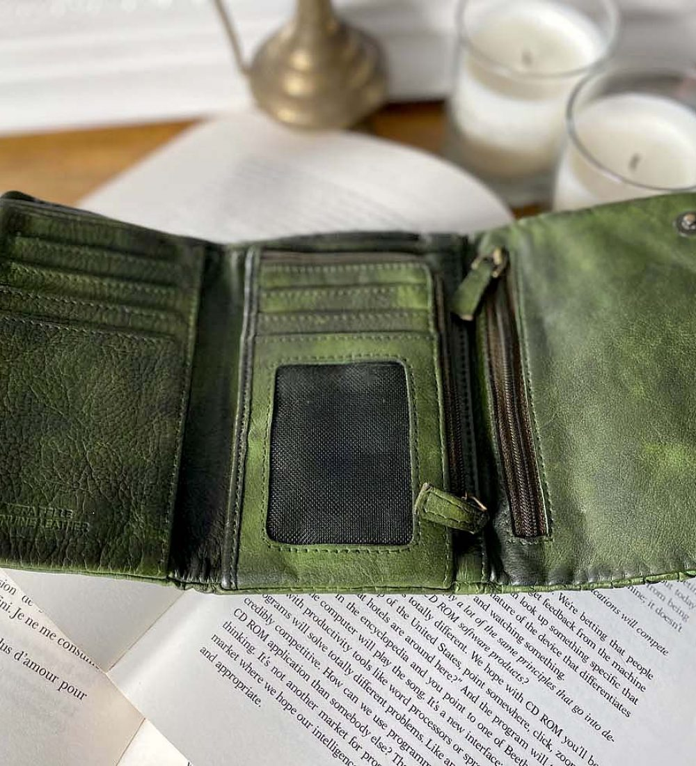 portefeuille-cuir-vert-tresse-harper-6