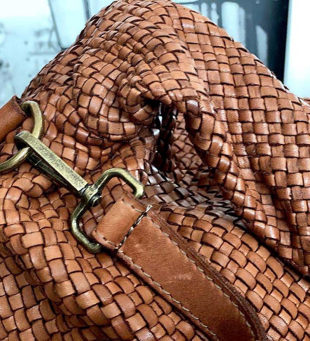 sac-besace-cuir-camel-tresse-elyna-8