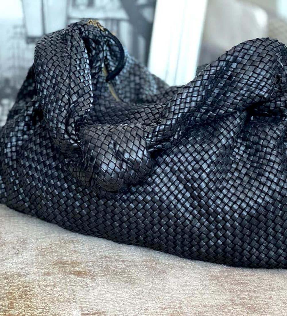sac-besace-cuir-noir-tresse-elyna-1