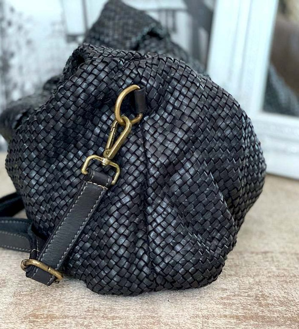sac-besace-cuir-noir-tresse-elyna-7