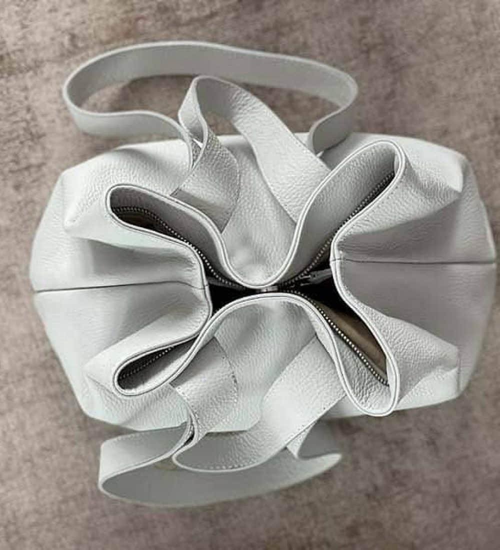 sac-cabas-cuir-gris-clair-perle5