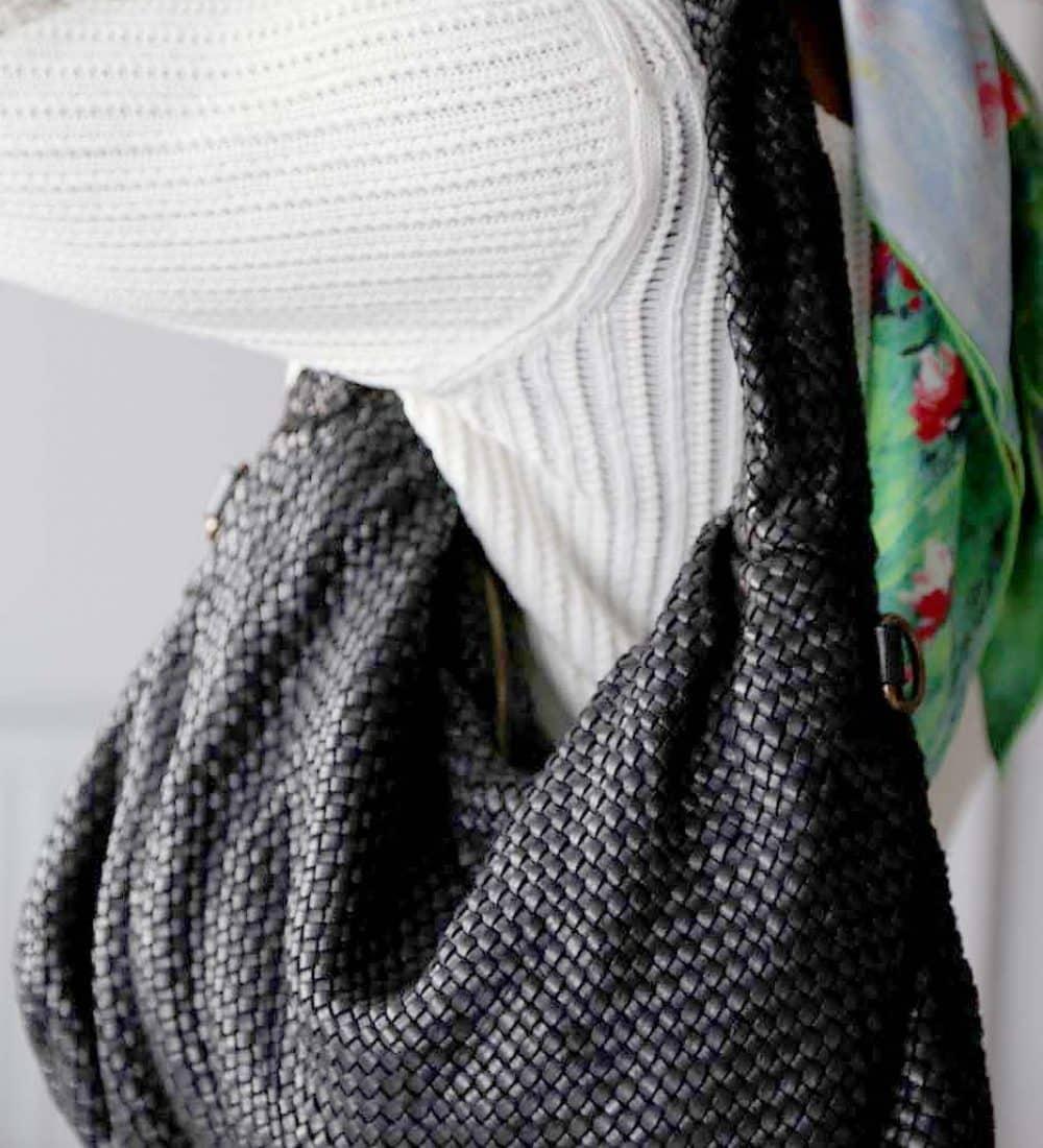 sac-main-cuir-noir-tresse-avec-noeud (3)