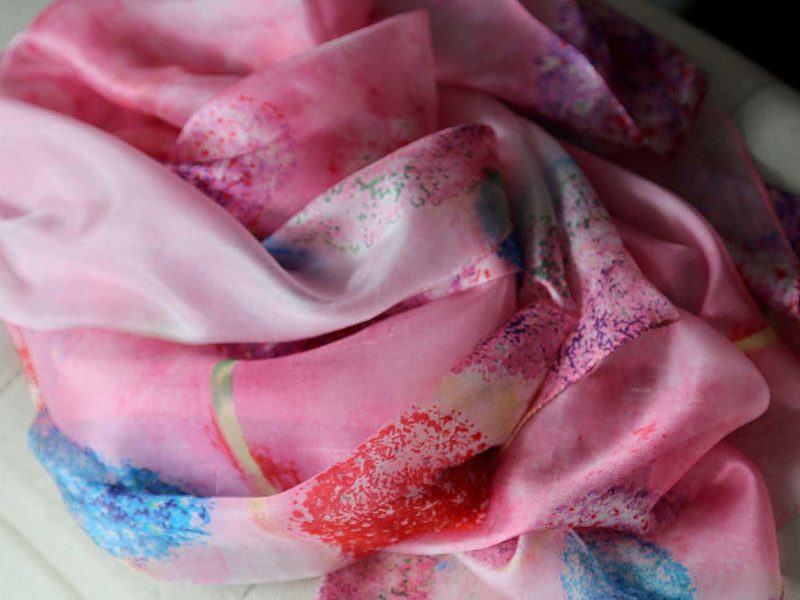 grand-foulard-soie-rose-inae-8