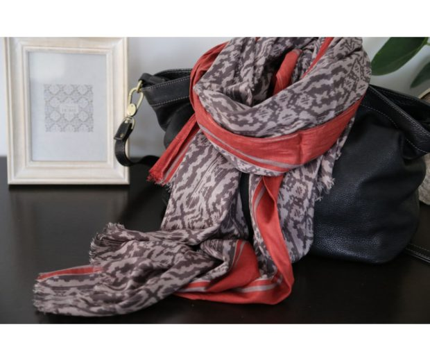 foulard coton gris taupe rouge