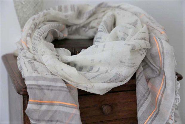 Foulard femme en coton beige et gris