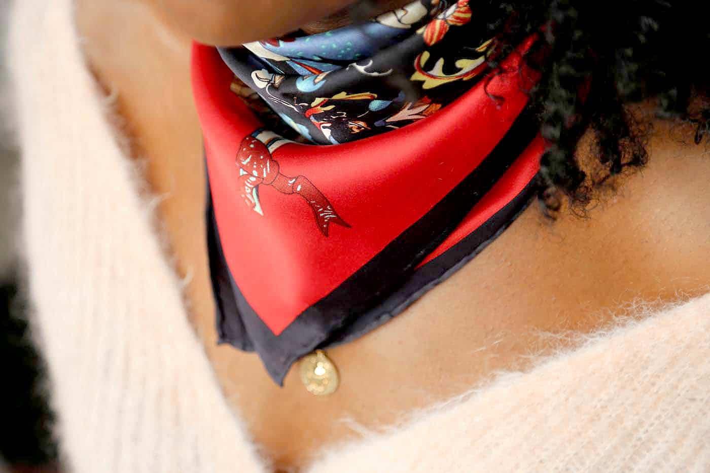 grand-carre-soie-rouge-noir2