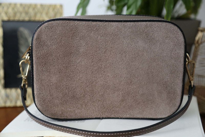 petit-sac-cuir-bandouliere-taupe-andy-2