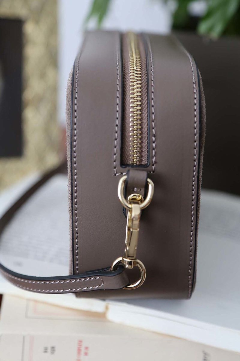 petit-sac-cuir-bandouliere-taupe-andy-5