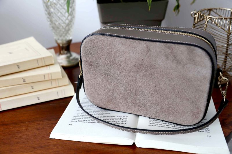 petit-sac-cuir-bandouliere-taupe-andy-7