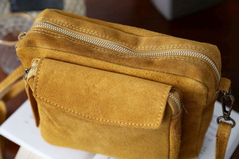 petit-sac-cuir-jaune-cassy-10