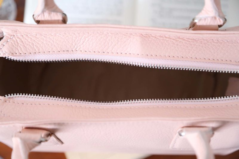 petit-sac-cuir-rose-poudré-billy-4