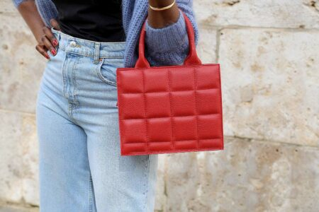 sac à main rouge en cuir matelassé