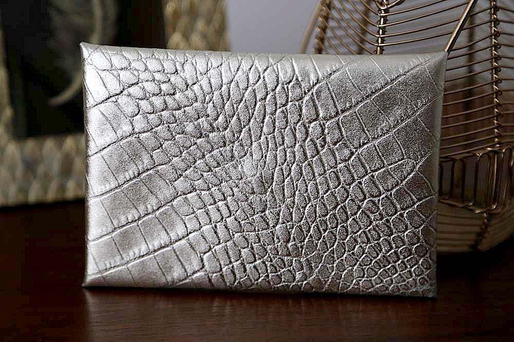 porte-carte-cuir-croco-metallise-argent-lilou