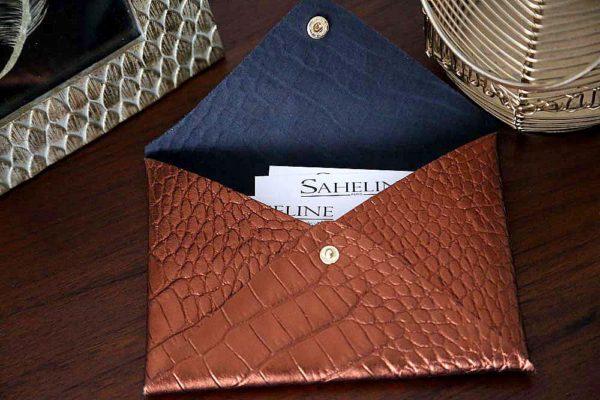 porte-carte-cuir-croco-metallise-rouille-lilou1
