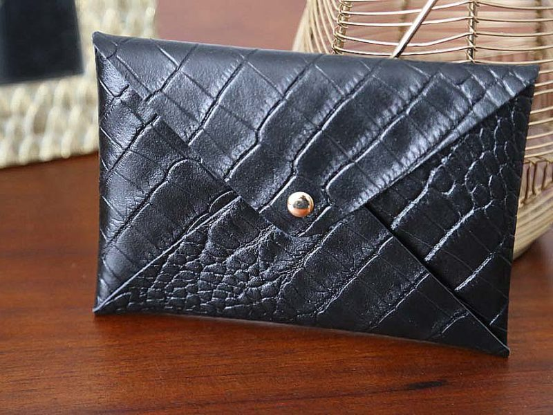 porte-carte-cuir-croco-noir-lilou3
