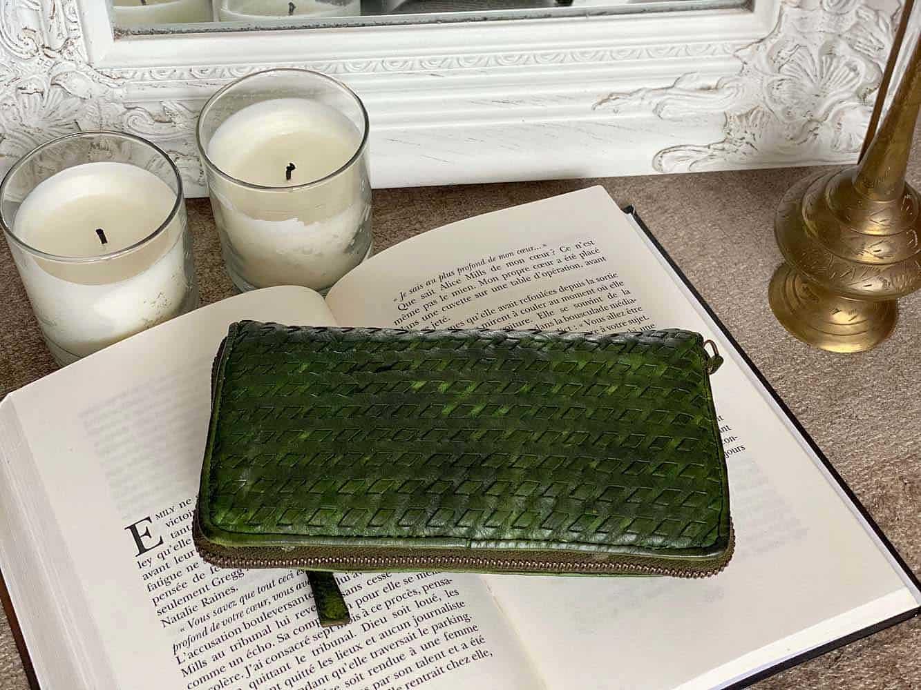 portefeuille en cuir vert, cuir vieilli vintage