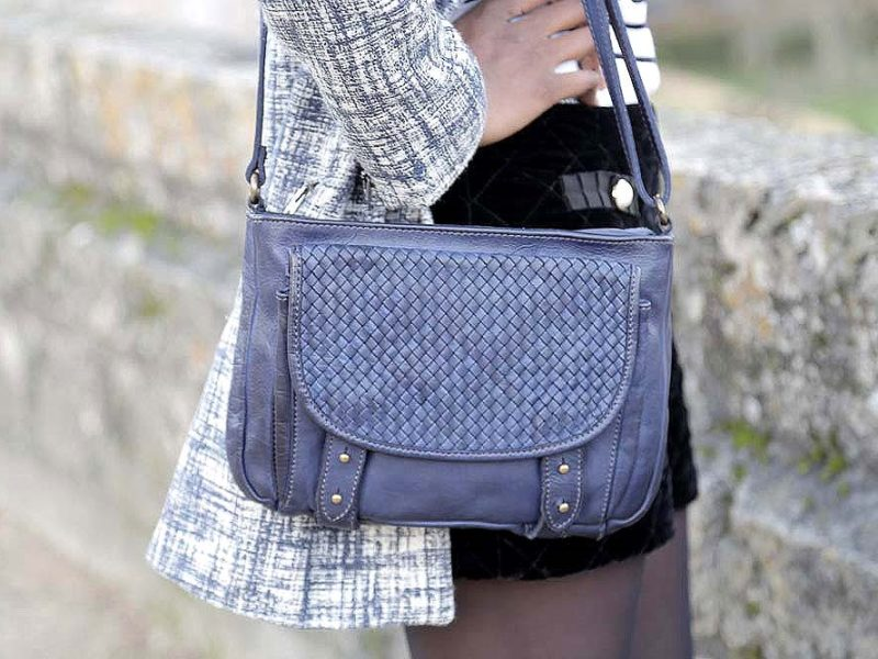 sac-a-main-cuir-vegetal-bleu-alexy