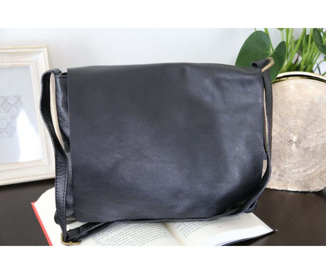 sac-besace-bandouliere-cuir-noir-victoriane