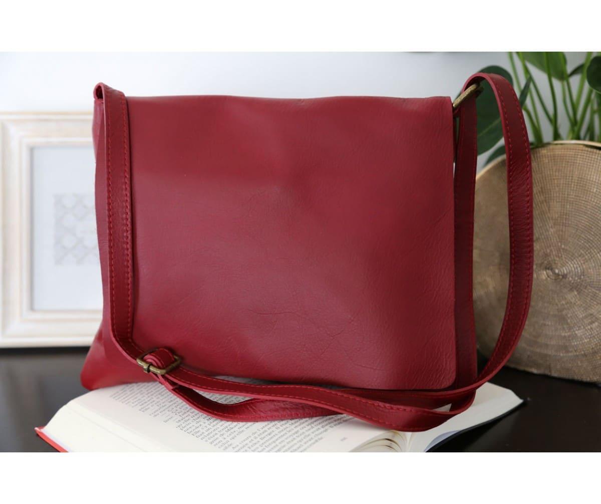 sac-besace-cuir-rouge-victoriane