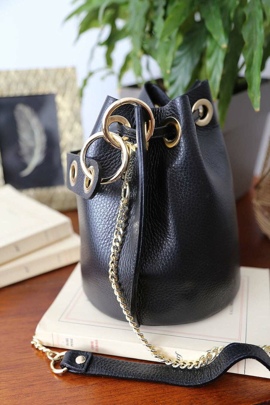 sac-bourse-cuir-noir-jadene-3