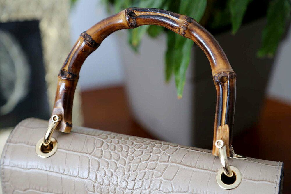 sac-cuir-croco-taupe-bambou-capucine-5
