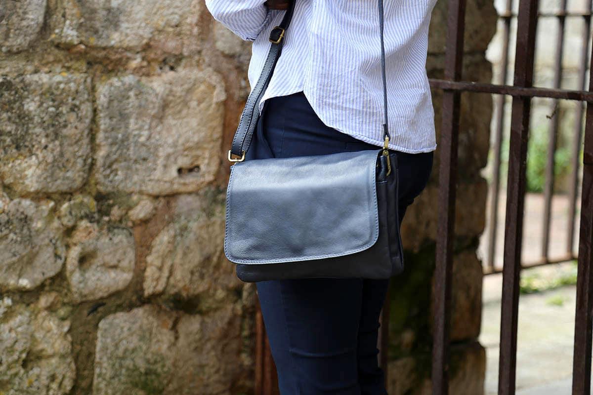 sac-main-cuir-bleu-fonce-lucille